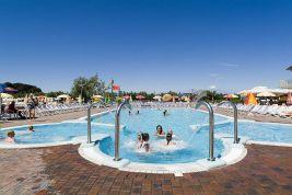 Wasserpark campingplatz gardasee spiaggia d 39 oro - Piscina oggiono ...